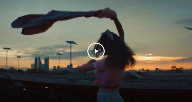 angus & julia stone chapteau clip video ça c'est culte