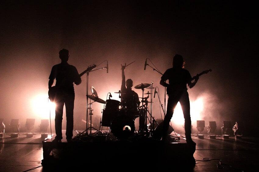 LE QUESNOY EN CHANTEURS 2014 les biskotos jeune public musiciens