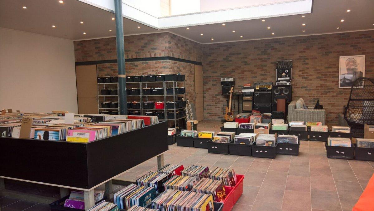 Retro Music Shop Tourcoing Céline Galant 3