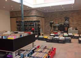 Retro Music Shop Tourcoing Céline Galant 3