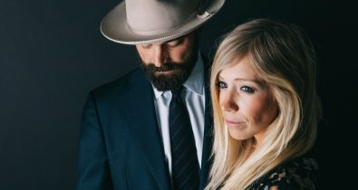 Electricity Drew and Ellie Holcomb ça c'est culte video clip cacestculte