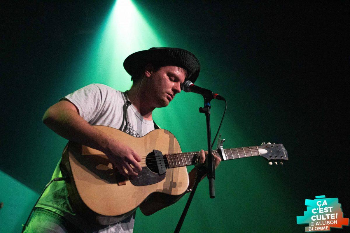 Le 17 novembre dernier, le musicien canadien Mac DeMarco a emporté la foule lilloise, direction les mélodies ensoleillées de sa musique folk psychédélique.