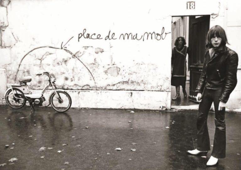 Putain d'expo la nouvelle exposition mettant à l'affiche Renaud place_de_ma_mob_davidsechan
