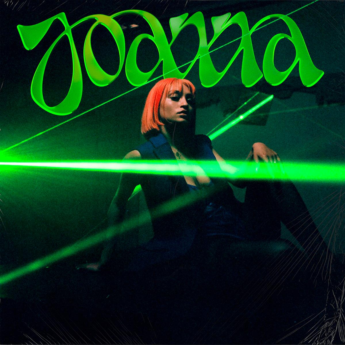 """Après avoir présenté Maladie d'Amour en mars dernier,Joannarevient avec""""Viseur"""", deuxième titre de son album en préparation."""