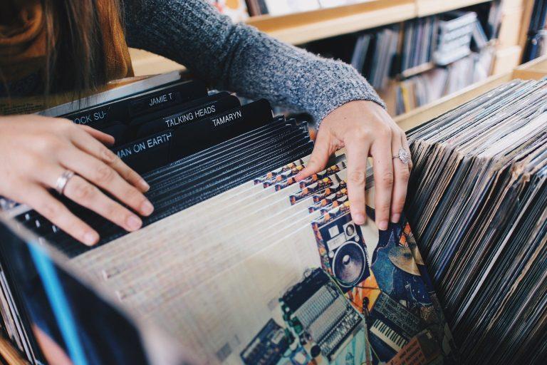 vinyl-records Les artistes à découvrir et à suivre en 2021 ça c'est culte cacestculte